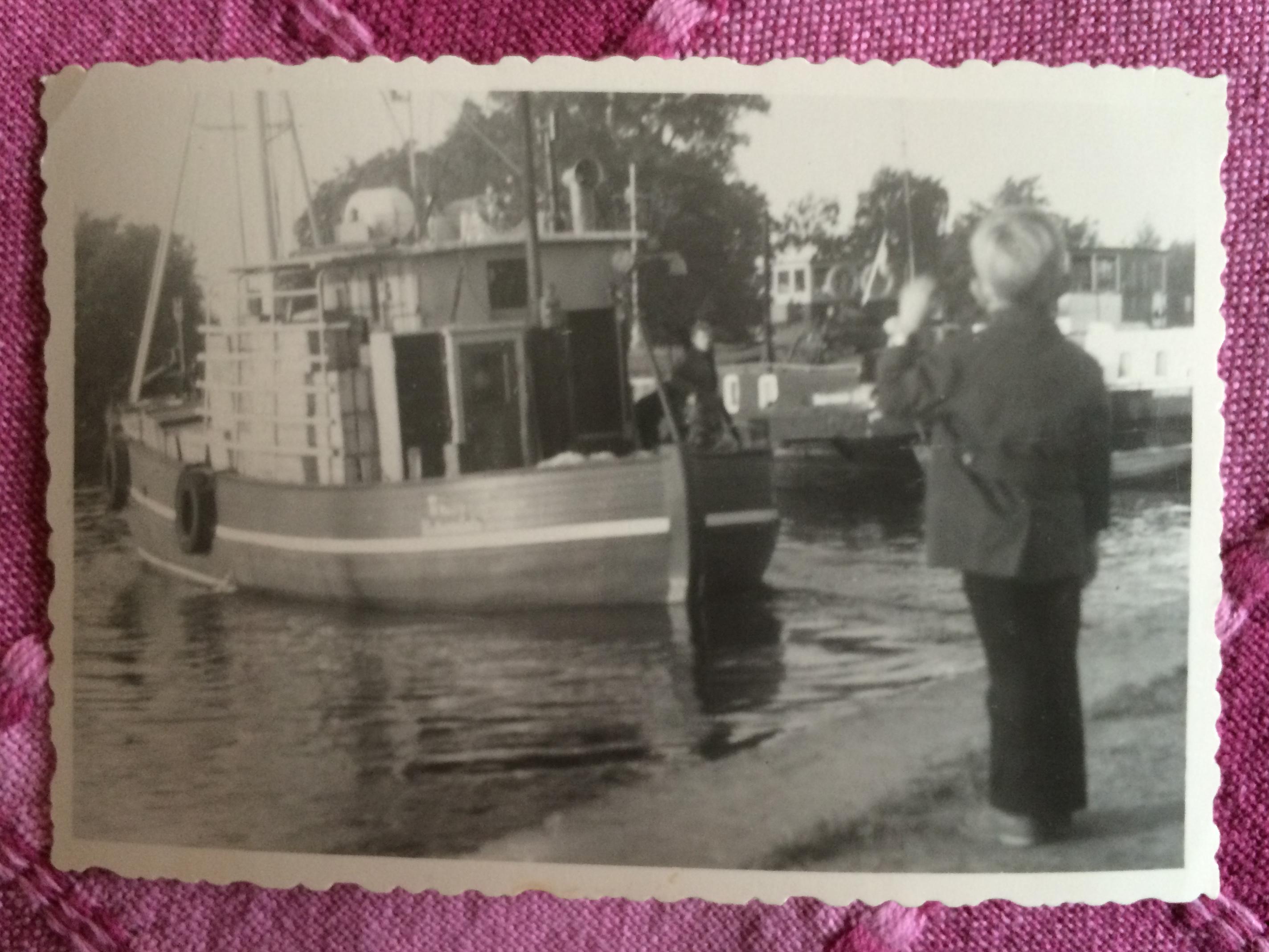 Leinen los: Manfred Braun sticht in See, sein See winkt vom Ufer