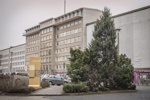 """Blick auf """"Haus 1"""" auf dem Gelände des Stasi-Archivs"""