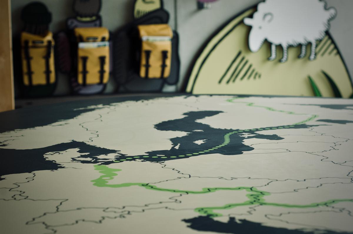 Im Raum Umweltbildung zeigt eine Karte den Verlauf des Grünen Bandes