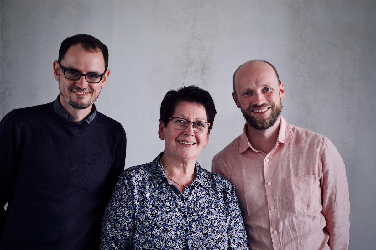 Patrick Hoffmann (links), Ursula Apel (Mitte) und Martin Fischer (rechts)